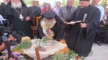 بطريرك الروم الارثوذكس يضع حجر الاساس لكنيسة السيدة العذراء في الزبابدة