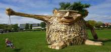 مجسمات خشبية