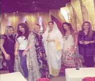 ملابس أمل العوضى في افطار رمضاني تثير الجدل