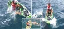فيديو مرعب.. قرش يهاجم صياداً في عرض البحر