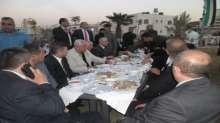 حركة فتح اقليم وسط الخليل تقيم إفطاراً جماعياً على شرف أهالي الشهداء والأسرى