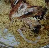 صورة: مواطن سعودي يعثر على جلد ثُعبان في وجبته .. ومسئول: يوجد شبهة جنائية