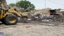 """منظمتي """"السلم الاجتماعي، وبصمات التنموية"""" تواصلا اعمال حملتهما لتنظيف مدينة تعز"""