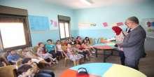 محافظ طولكرم عصام أبو بكر يزور المركز الثقافي لتنمية الطفل
