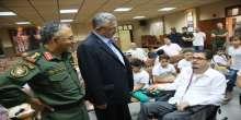 محافظ طولكرم يسلم مكرمة رئاسية لمواطن من ذوي الاحتياجات الخاصة ولطالبة توجيهي متفوقة