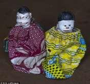 صور: قرية تجعل من أطفالها المتوفيين دمى