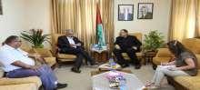 وزير التربية يبحث التعاون مع الارتباط العسكري ويطلع على واقع التعليم في القدس