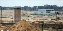 صور وفيديو .. مصر تواصل عمليات حفر الأحواض المائية على طول حدوها مع غزة لمنع التهريب