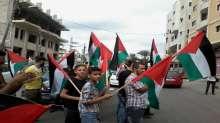 تزامنا مع بدء إنطلاق شرارة الإنتفاضة الثالثة..جماهير فتح بغزة تنظم مسيرات دعما للرئيس