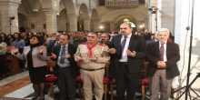 على نية شهداء فلسطين وضحايا العالم المئات من المسؤولين والمواطنين يشاركون في  القداس الإلهي  في كنيسة القديسة