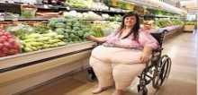 """زوج شجع زوجته حتى وصل وزنها 215 كيلوغراماً .. والسبب """"غير معقول""""!"""