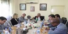 الشاعر يلتقي المدير القطري للبنك الدولي في فلسطين
