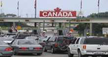 Asylum seekers dodge US border guards to reach Canada