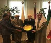الرئيس السوداني الأسبق يكرم الدكتور أبوغزالة