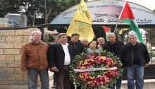 """السفيرة """"كيلة"""" تكلِّل أضرحة شهداء الثورة بالورود وتجول بمخيَّمات بيروت"""