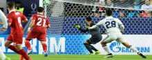 ريال مدريد يطارد برشلونة برباعية في اشبيلية