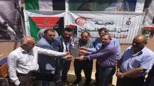 جبهة التحرير الفلسطينية تكرم قناة الميادين من خيمة اعتصام الاسرى