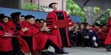 أخيراً.. مارك زوكربيرج يحصل على شهادته من جامعة هارفارد!