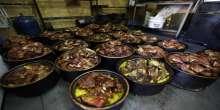 بالصور  والفيديو: القدرة طبق الخلايلة في العيد