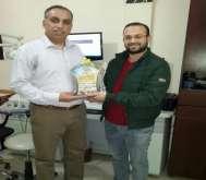 طبيب غزي يتمكن من علاج مريض من الضفة الغربية