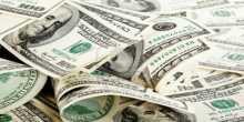 تعافي الدولار يدفع الذهب للهبوط 1% من أعلى مستوى بالعام