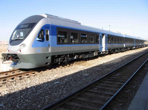 القطار - أمجد الديك