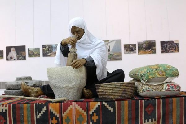 """احتفال جمعية كهف الفنون في قصر الأونسكو وافتتاح معرض """" ذكريات الزمن الآتي """" للفنان غاندي بو ذياب"""