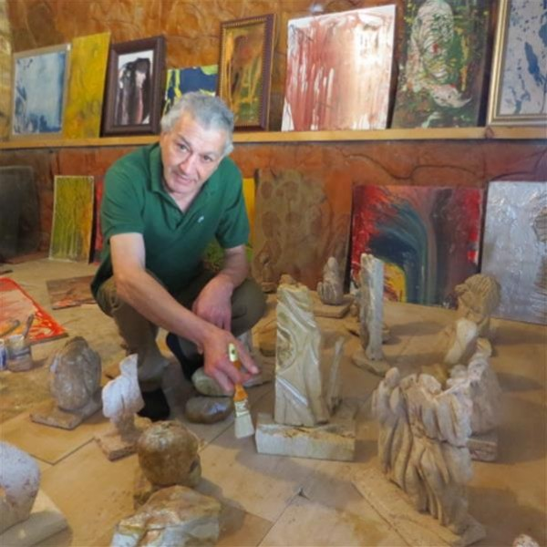الفنان الدولي سعيد الأشقر بين الريشة والازميل
