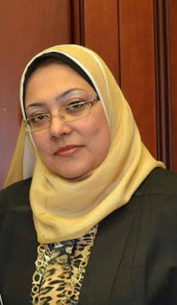 الروائية المصرية د.نهلة جمال: التيارات الثقافية الحقيقية تواجه موجات التهميش والتفريق