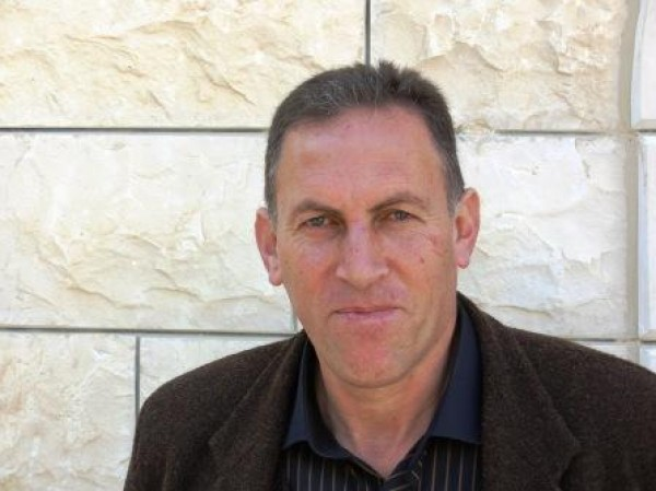 شاكر فريد حسن: لعل أجمل الإبداعات الفلسطينية وأصدقها تلك التي كتبت وراء القضبان