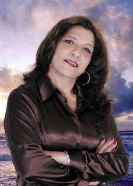 رحلة الغربة في حروف إمرأة تشرينية الولادة- دراسة نقدية في قصائد الدكتورة هدلا القصّار