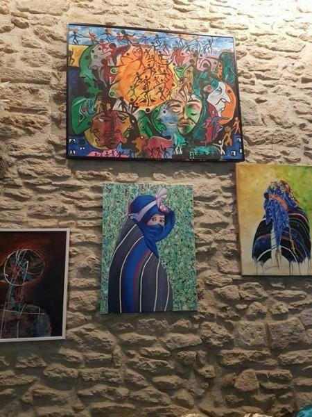 بمناسبة اليوم العالمي للمرأة مجموعة الفن يجمعنا تنظم معرضاً تشكيلياً بفرنسا