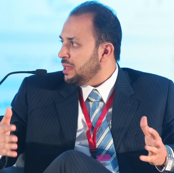 الأديب: أسامة أحمد العمري كل ألوان الأدب لها ارتباط بشكل أو بأخر بالواقع
