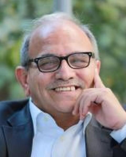 رفع الإجراءات العقابية أولًا بقلم: هاني المصري