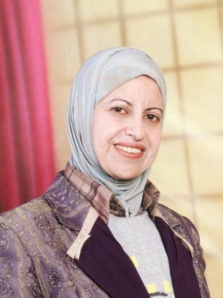وحدهم شهداء فلسطين يبتسمون بقلم: إكرام التميمي