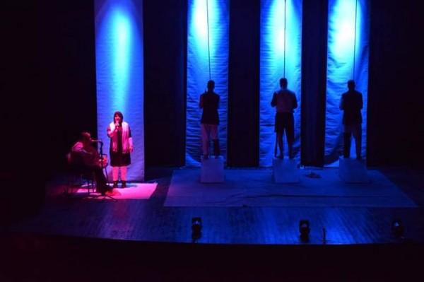 قراءة في مسرحية الطربوش والبراميل بقلم: د.الغزيوي بوعلي