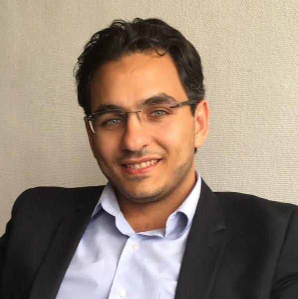 الدكتور إياس ناصر يحصل على جائزة عالمية في الأدب العربي