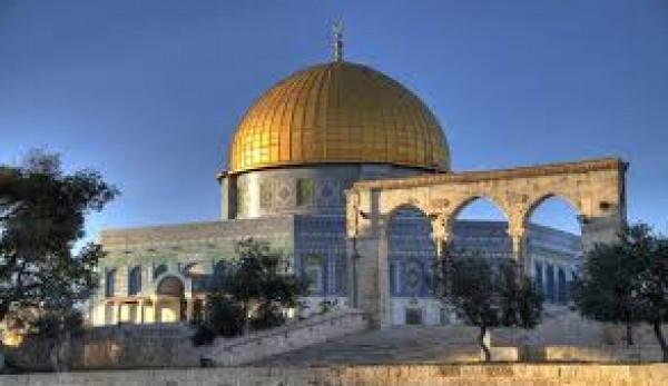 """مسجد قبة الصخرة """"أيقونة الجمال بالقدس"""" بقلم:هدى الزريعي"""