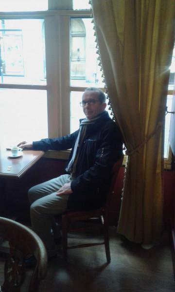 على آثار فولتير في مقهى *البروكوب بقلم:إبراهيم مشارة