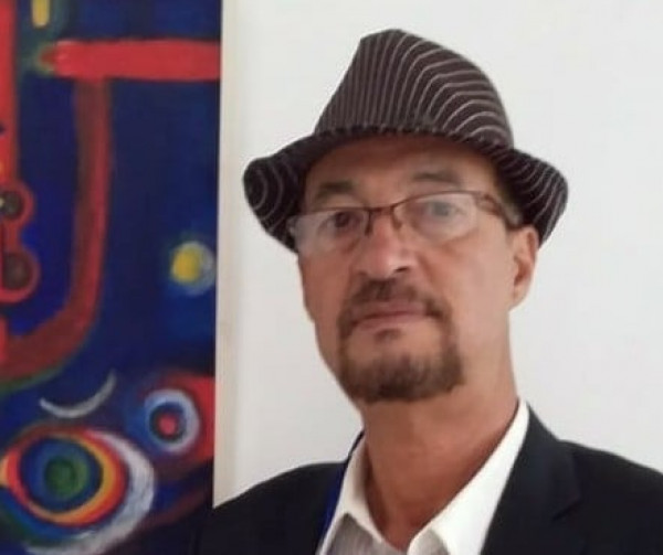 التشكيلي عبد اللطيف صبراني:عدت إلى مخزون ذكرياتي لأحول اللوحة إلى حنين