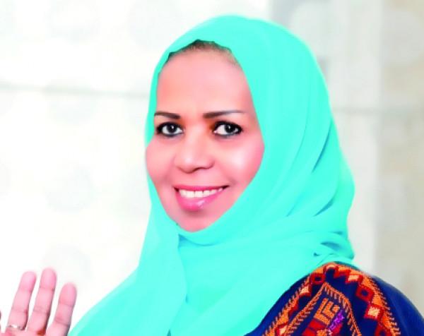 كلثم سالم..شاعرة الإمارات ضيفة البرنامج الثقافي