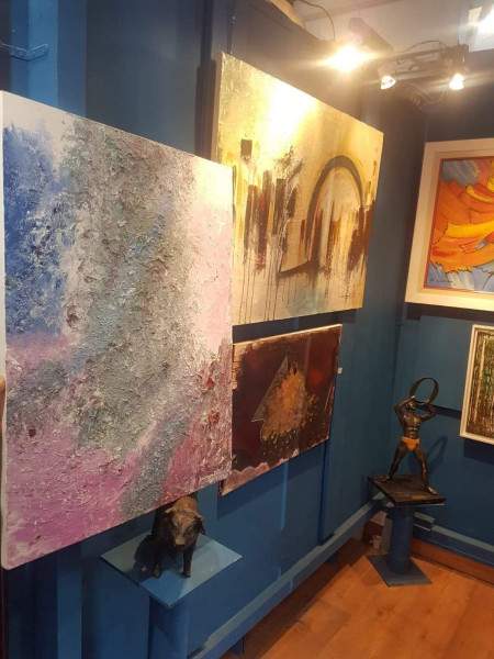 القنصل المغربي في مونبلييه بفرنسا يحضر افتتاح معرض مغربي للفنون التشكيلية
