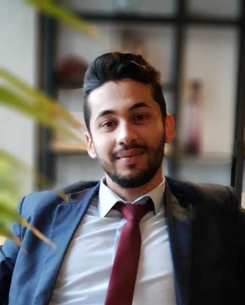 إنّي أحبُّكِ لا مَفر بقلم: عمر محمد عمارة