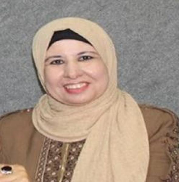 الكاتبة إسراء عبوشي: أستطيع أن أحول المنفى الى جنة بكتاب وورقة وقلم