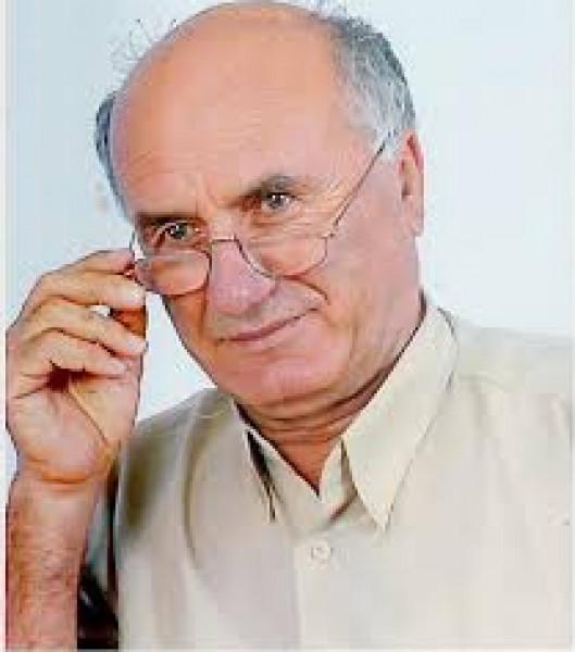 حوار مع البرفيسور فاروق مواسي حول  تجربته في أدب الأطفال