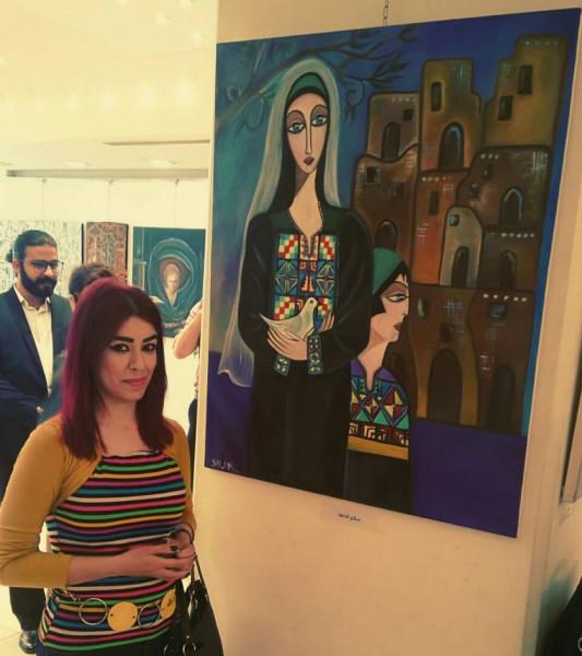 التشكيلية سلام الأحمد: المعارض الجماعية أغنت تجربتي وزادت من مخزوني الفكري والبصري بالفن
