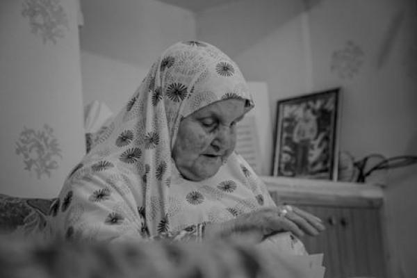 قصة الحاجة مزيونة والدة الأسير ناصر أبو سرور المحكوم مؤبد بقلم:منال سرحان