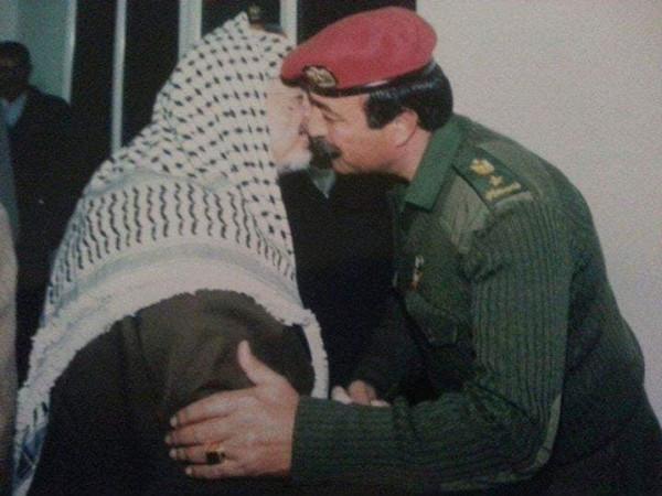 في الذكرى الخامسة عشرة لاستشهاد رمز الشعب الفلسطيني.. ياسر عرفات (أبو عمار)