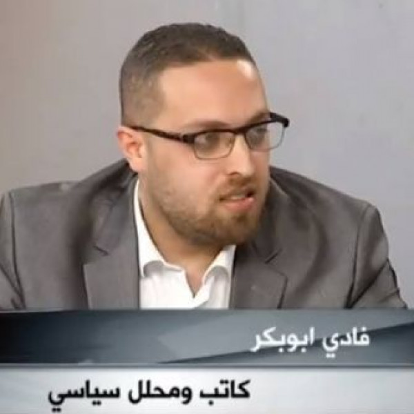 آخر متاريس مقاومة الانقسام الفلسطيني بقلم: فادي أبوبكر