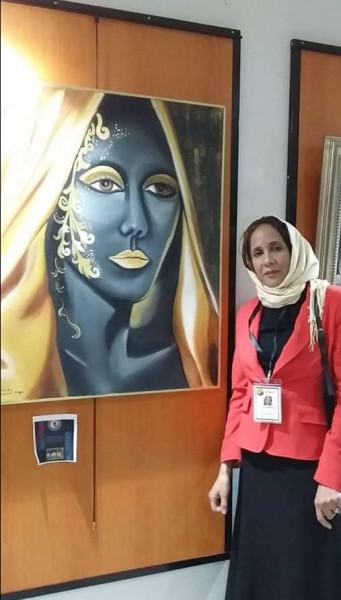 التشكيلية نجية خربوشي: لوحاتي مسك حياتي، والألوان سر سعادتي